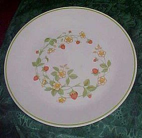 Corning Correlle Strawberry Delight Dinner plate