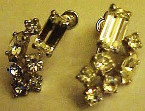 Great vintage crystal rhinestone screw back earrings