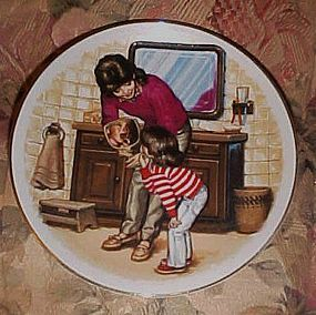 Avon 1986 Mothers day plate A New Tooth