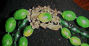 Vintage Emerald swirl plastic necklace fancy clasp
