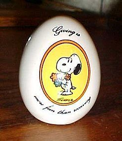 Snoopy ceramic egg Giving is more fun than recieving