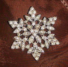 Vintage Sarah Coventry Crystal snowflakes pin 1960's