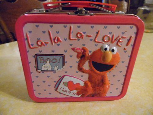 Elmo's world mini metal lunch box 2005 la la la love