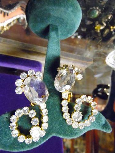 Vintage 3-d large rhinestone earrings clip backings