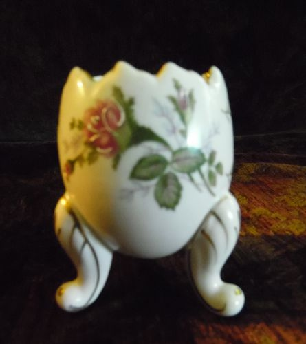 Napcoware footed egg vase  with moss rose decoration