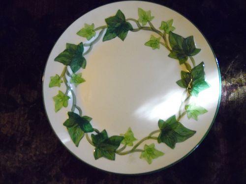 Franciscan Ivy 10 3/8 Dinner plate old semi circle backstamp