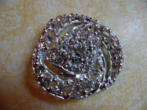 Large vintage crystal rhinestone pin brooch