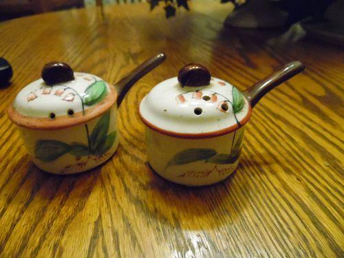Vintage hand painted ceramic kitchen pans salt pepper shakers