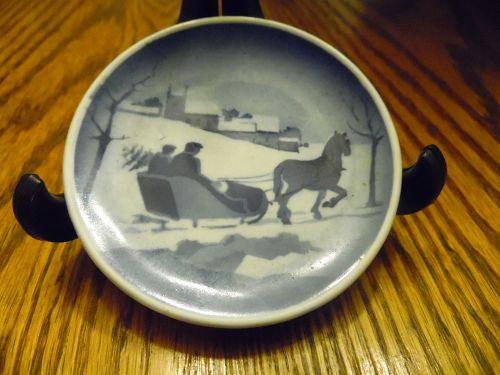Royal Copenhagen mini delft plate horse and sleigh