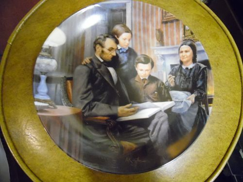 Knowles The Family Man  collector Plate Abraham Lincoln box & coa