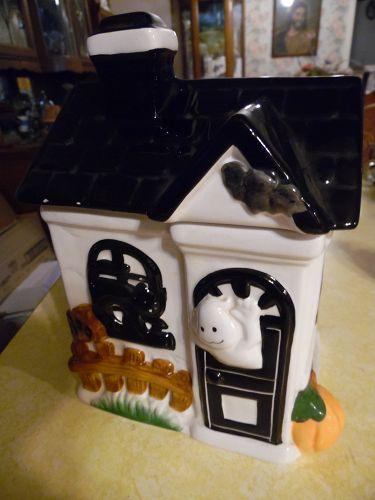 Adorable King May Haunted House Halloween cookie jar