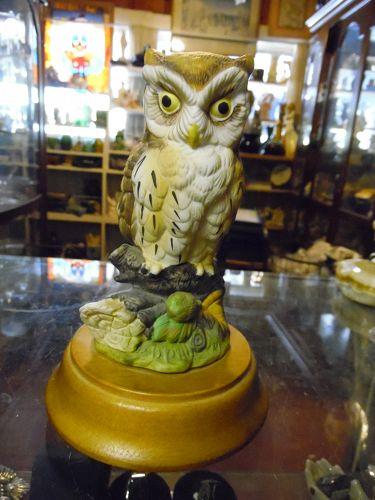 1984 Jonathon Byron Musical OWL Figurine Arnart