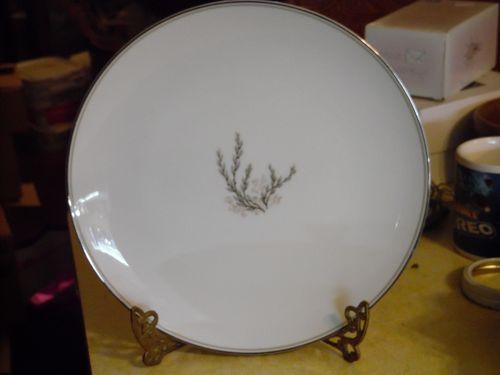 Vintage Noritake Candice dinner plate #5509