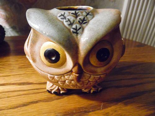 Adorable vintage ceramic owl tea lite holder, 1970's