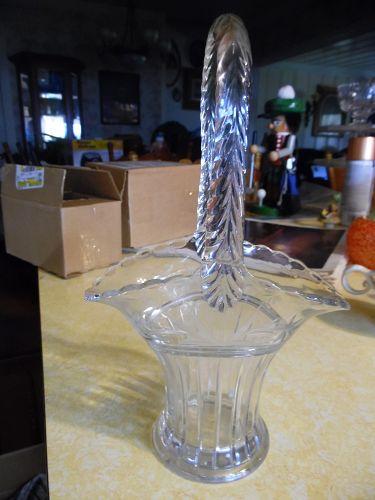 Duncan Miller 10.25 Tavern Glass Flower basket with cut decoration