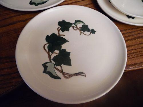 Metlox Poppytrail California Ivy 10 3/8 Dinner plate