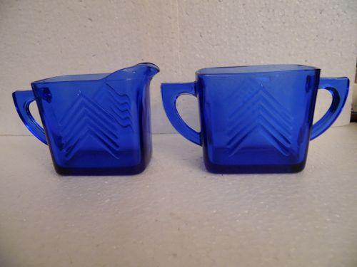 Hazel Atlas cobalt blue chevron creamer and sugar set