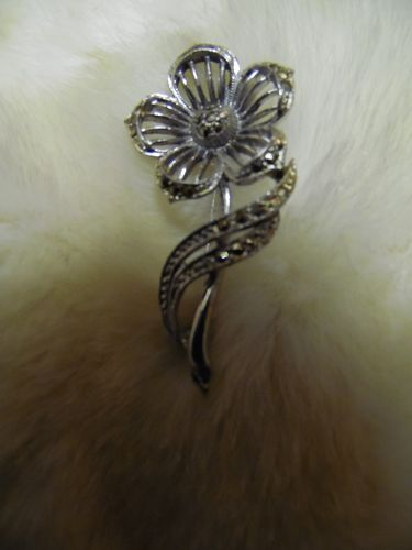 Lovely silver tone marcasite flower pin