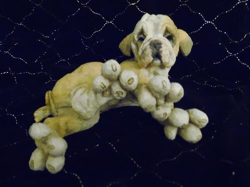COUNTRY ARTISTS A BREED APART 70210 DROOPY bulldog puppy figurine