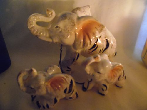 Amazing vintage ceramic elephant family