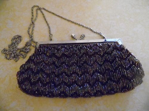 Lovely  brown vintage bugle beaded purse with ric-rac pattern