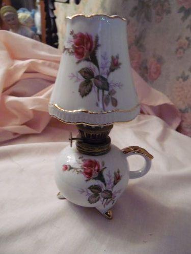 Vibntage Kelvins moss rose miniature oil lamp