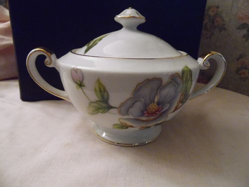 Roselyn Dogwood covered sugar bowl