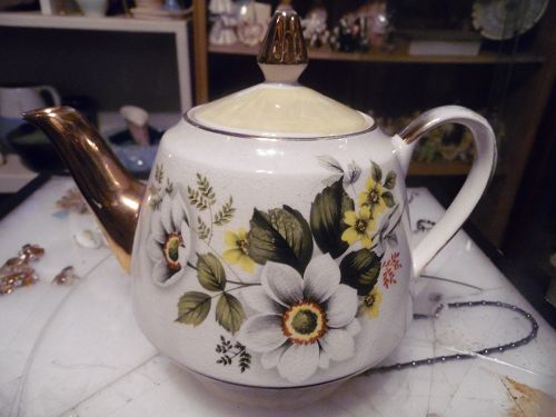 Gibson's Staffordshire England lustre teapot Apple Blossoms