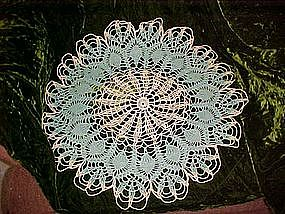 Large pineapple pattern crochet doily