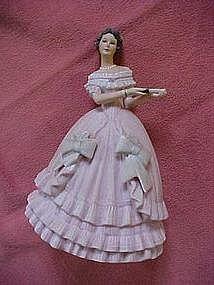 Lenox, Great fashions of  history - Caroline figurine