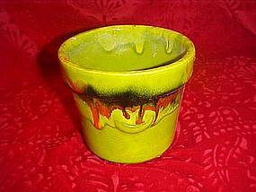 Vintage USA 1095 chartruse drip flower pot