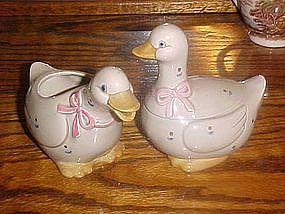 Otagiri grey calico goose, creamer and sugar set