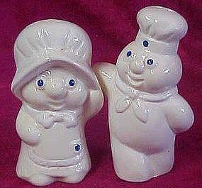 Pillsbury Poppin Fresh and Poppy hug  s