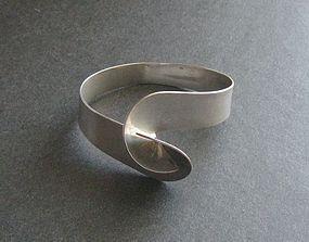 Vintage Modernist Sterling Hook Bracelet Signed