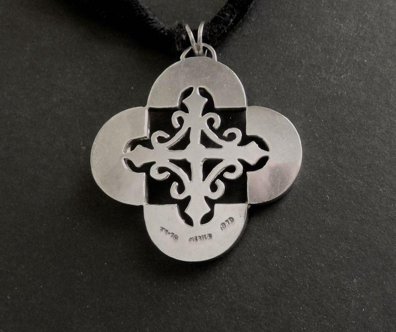 Antonio Pineda Design Taxco Sterling Cross Quatrefoil Velvet Necklace