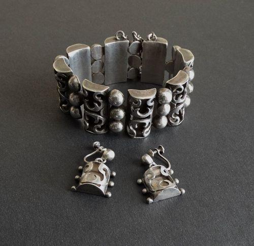 Sterling Victoria Taxco Double Angel Bracelet & Earrings #53 ScrewBack