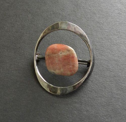 Tone Vigeland Norway Modernist Sterling Brooch Gold Speckled Agate