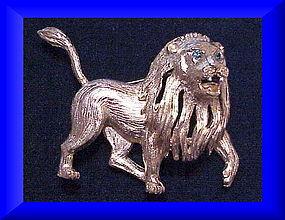 Hattie Carnegie fierce textured full body lion brooch