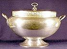 Meriden oval 'Muzzle' silver plate soup tureen