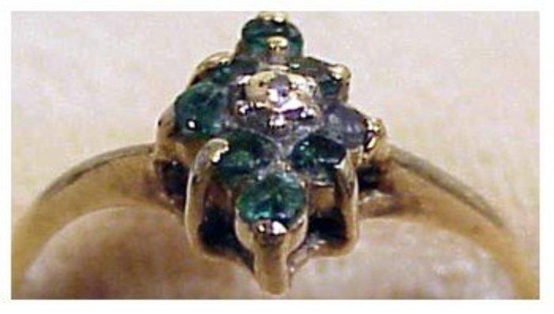 10K yellow gold emerald & diamond center stone (size 6)