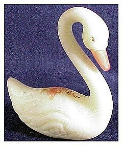 Fenton Roses on Custard : Swan #5160