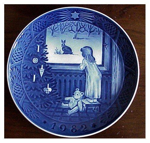 Royal Copenhagen Christmas Plate 1982