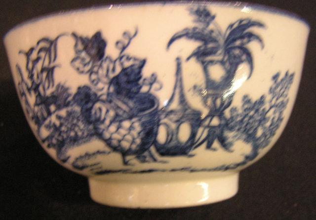 Caughley Soft Paste Porcelain Sugar Bowl
