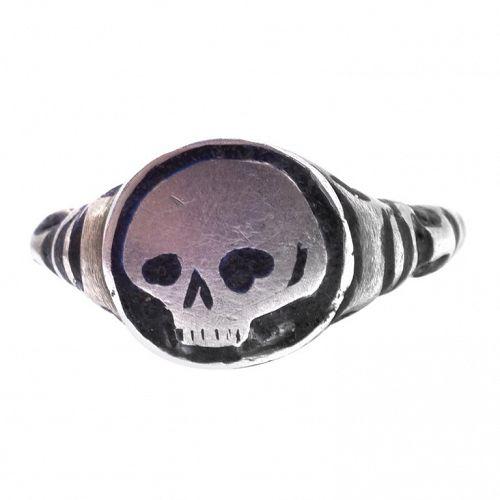 C1620 silver gilt and Black Enamel Renaissance Skull Ring