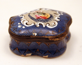 18th-century Gingham Finish English Enamel Box