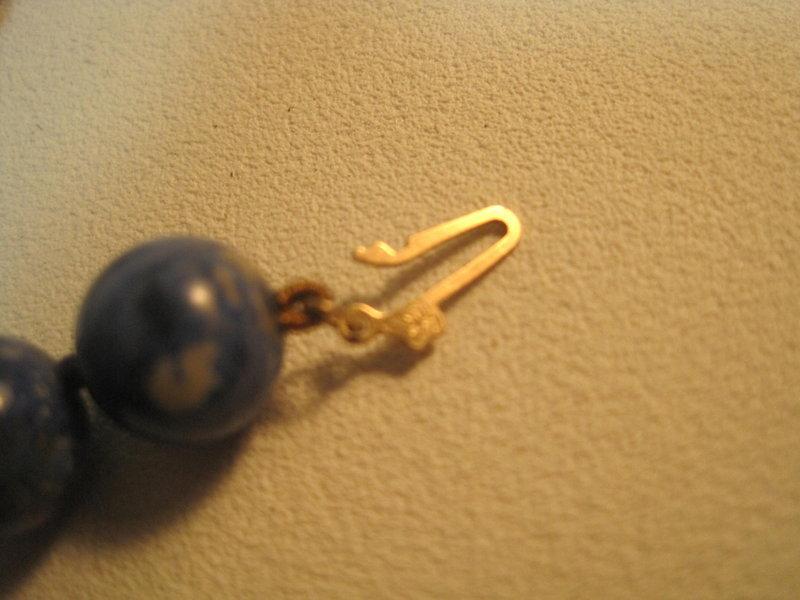 """A Beautiful Vintage Lapis Necklace 24"""" Long"""