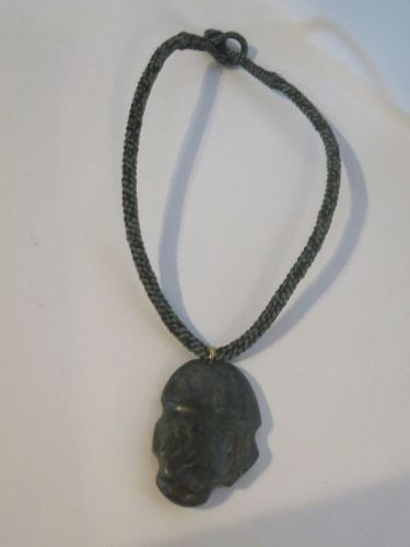Mexican jade green stone pendant necklace