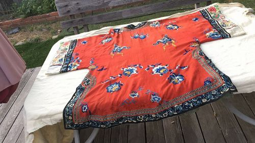 Chinese Antique red  Silk Robe With Flowers And Butterflies