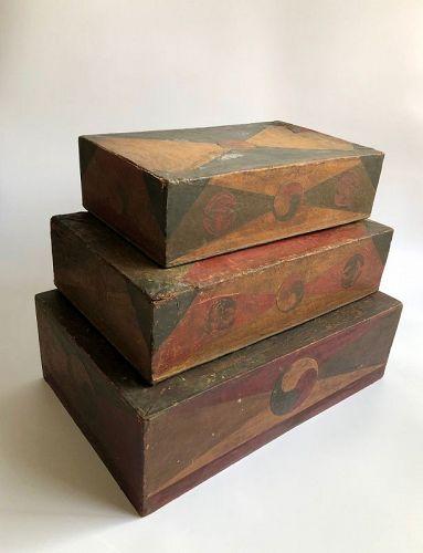LARGE NESTING BOXES