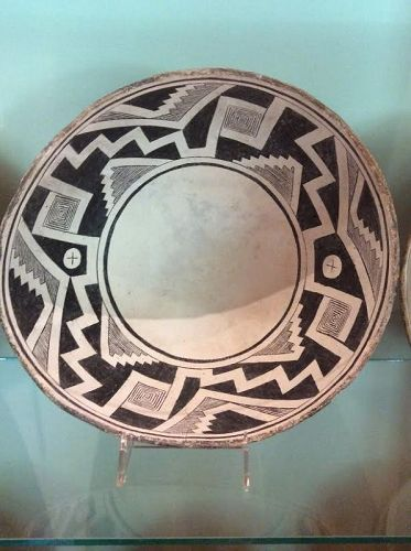 A SUPERBLY CONCIEVED AND EXECUTED MIMBRES BOWL